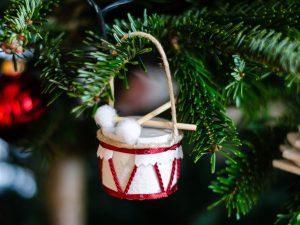 diy-ideen für den weihnachtsbaum 5 Weihnachts-DIY-Ideen für den Weihnachtsbaum ferrero weihnachten 2018 1  300x225