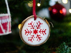 diy-ideen für den weihnachtsbaum 5 Weihnachts-DIY-Ideen für den Weihnachtsbaum ferrero weihnachten 2018 4 300x225