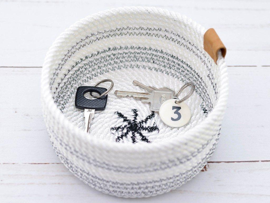 rope bowl diy Rope Bowl DIY: Die Schritt-für-Schritt Anleitung für deinen ersten Seilkorb ropebowl leder 1024x768