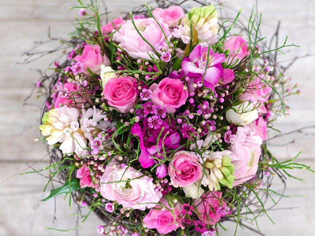 selbst gemachter blumenstrauß DIY: Verschenke einen selbst gemachten Blumenstrauß wie vom Floristen blumenstrau frhling 4 1024x768
