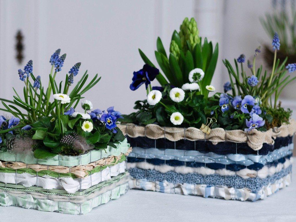stoffreste verarbeiten Stoffreste verarbeiten: Frühlingsblumen im Korb aus Draht & Stoffen drahtkorb blau grn 1024x768