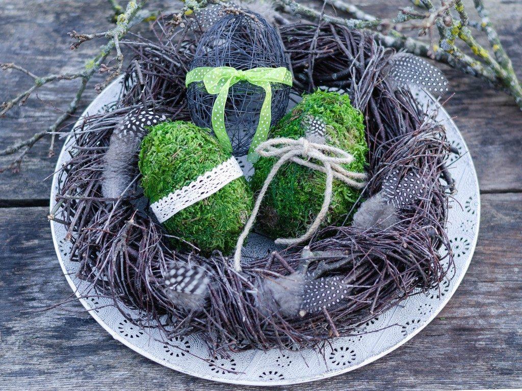 osterdeko diy Osterdeko DIY: Eier aus Moos & Draht und Birkenkranz eier moos draht kranz 1 1024x768