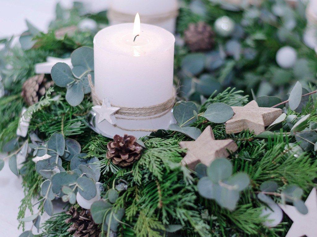 adventskranz binden DIY-Anleitung für Einsteiger: Adventskranz binden (mit Eucalyptus) adventskranz eucalyptus 2 1024x768
