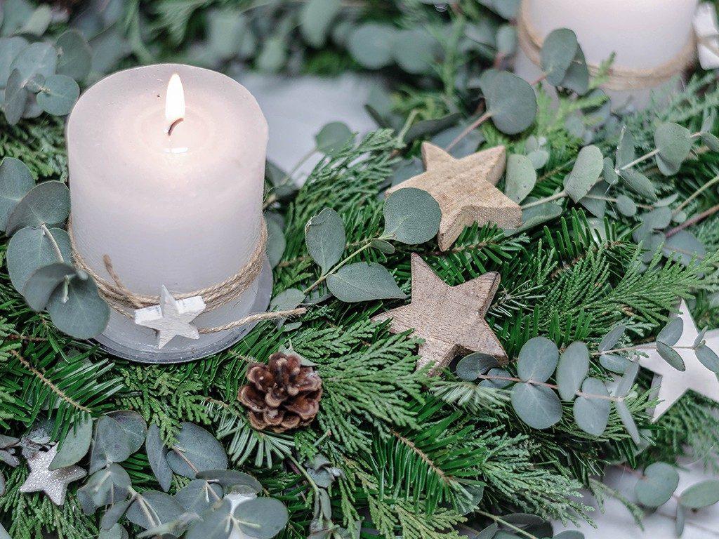 adventskranz binden DIY-Anleitung für Einsteiger: Adventskranz binden (mit Eucalyptus) adventskranz eucalyptus 3 1024x768