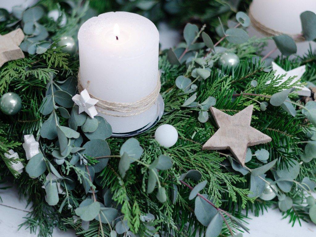 adventskranz binden DIY-Anleitung für Einsteiger: Adventskranz binden (mit Eucalyptus) adventskranz eucalyptus 7 1024x768
