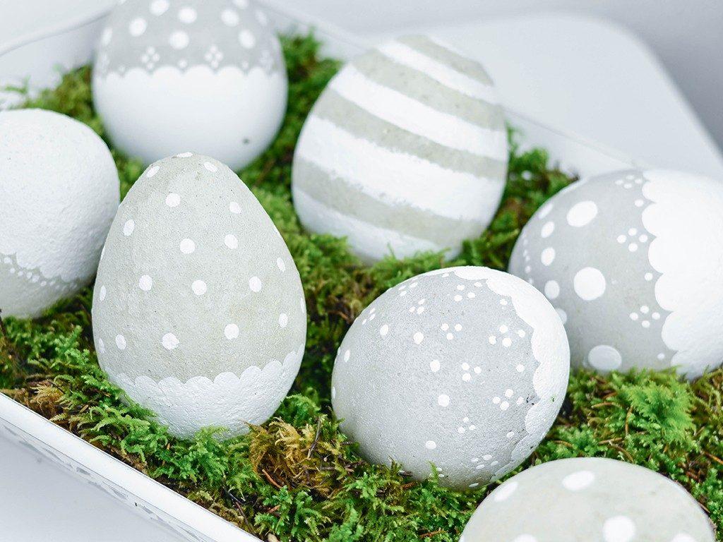 wetterfeste osterdeko Osterdeko DIY: romantische XXL-Ostereier aus Beton für drinnen und draußen betoneier xxl mit luftballon wei 10 1024x768