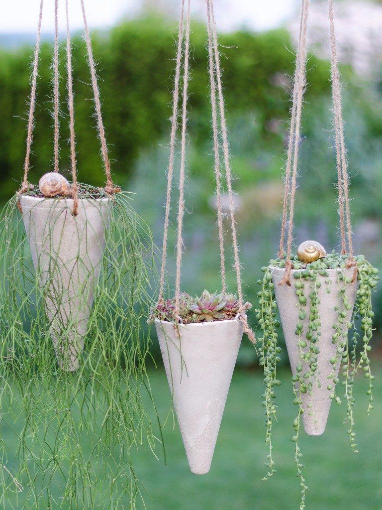 blumenampel aus beton Sommerlicher Hingucker in 2 Varianten: Gartenstecker & Blumenampel aus Beton betonkegel blumenampel 31 768x1024