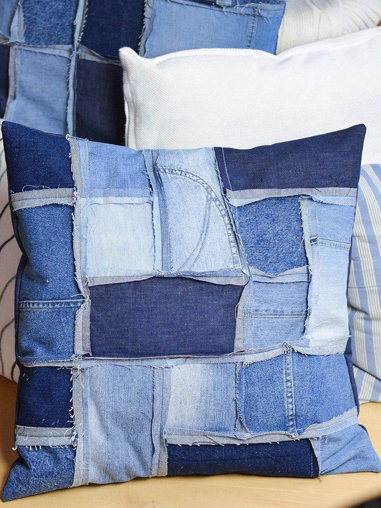 patchwork-kissenhülle DIY Patchwork-Kissenhülle aus Jeans nähen jeanskissen patchwork 13 768x1024