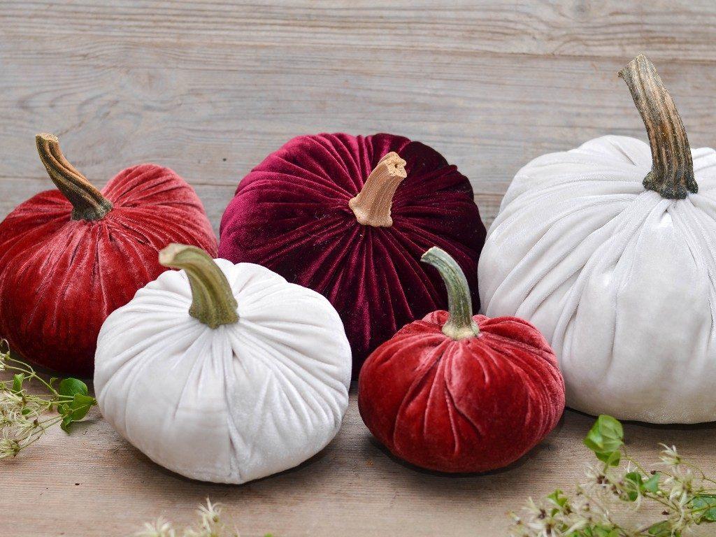 kürbisse aus samt Herbstdeko DIY: Wie du Kürbisse aus Samt selbst machst kuerbisse aus samt 7 1024x768