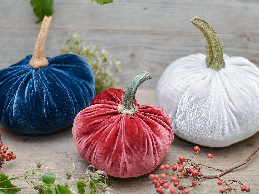kürbisse aus samt Herbstdeko DIY: Wie du Kürbisse aus Samt selbst machst kuerbisse aus samt 8 1024x768