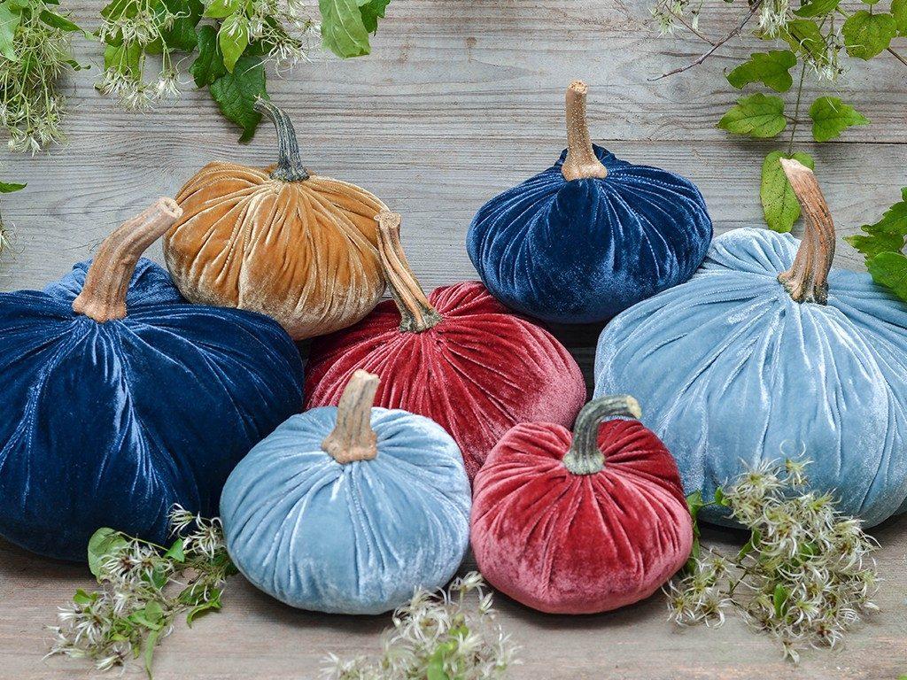 kürbisse aus samt Herbstdeko DIY: Wie du Kürbisse aus Samt selbst machst kuerbisse aus samt bunt 1024x768