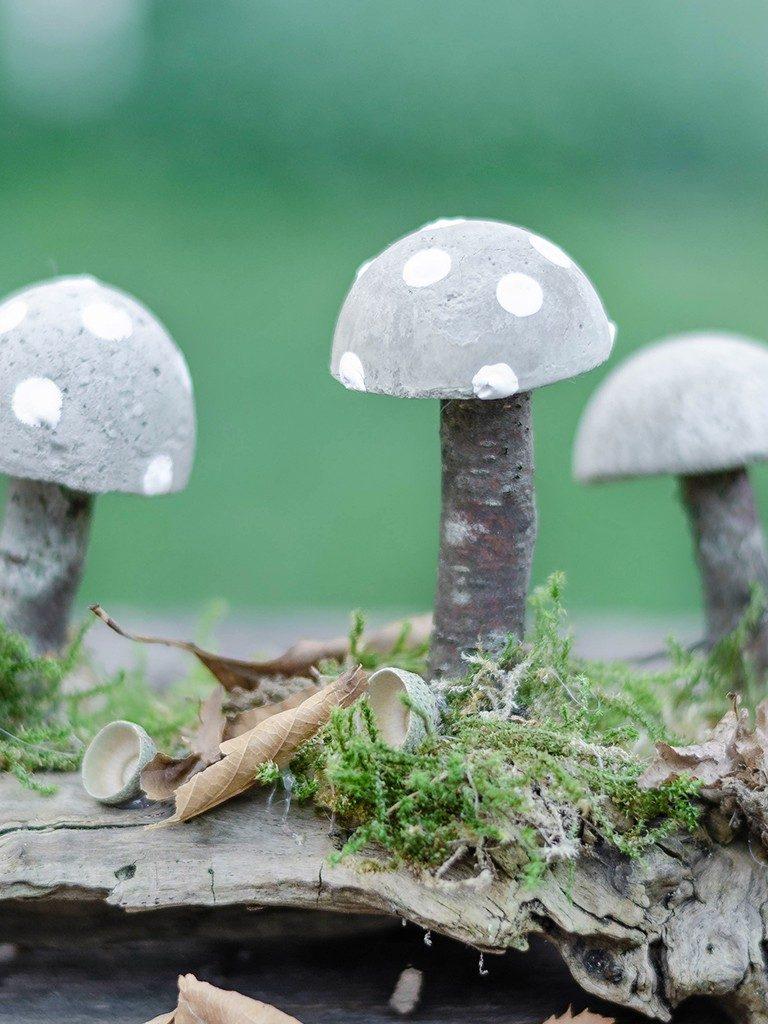 diy herbstliche tischdeko DIY Herbstliche Tischdeko: Wie du Pilze aus Beton selbst machst pilze aus beton  768x1024