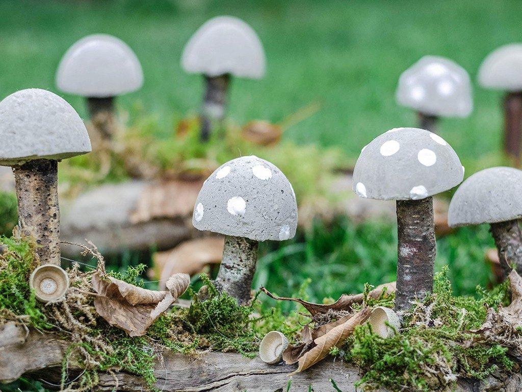 diy herbstliche tischdeko DIY Herbstliche Tischdeko: Wie du Pilze aus Beton selbst machst pilze aus beton 18 1024x768