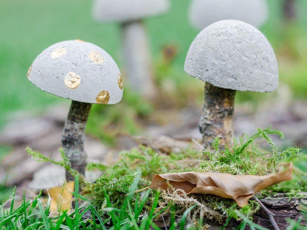 diy herbstliche tischdeko DIY Herbstliche Tischdeko: Wie du Pilze aus Beton selbst machst pilze aus beton 27 1024x768