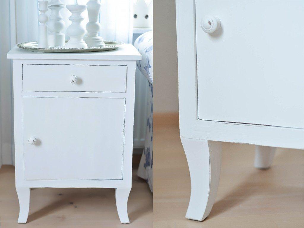 schränkchen mit weißer kreidefarbe streichen DIY Shabby Chic Stil: Altes Schränkchen mit weißer Kreidefarbe streichen schraenkchen streichen shabbychic 1024x768