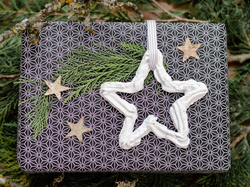 sterne aus beton DIY Weihnachtsdeko, Christbaumschmuck & Geschenkanhänger: Sterne aus Beton mit Spritzbeutel stern knetbeton spritzbeutel  1024x768