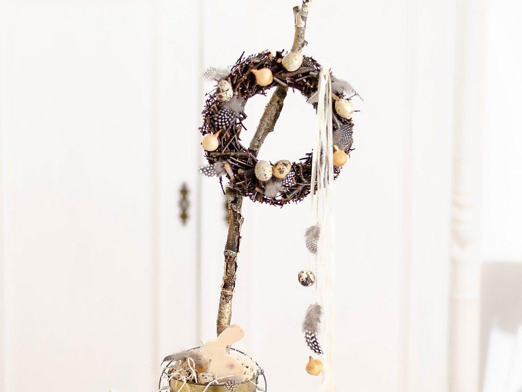 Frühlingsdeko DIY:  Kranz aus Ästen und Zweigen selber machen kranz zweige holzleim 4 1024x768