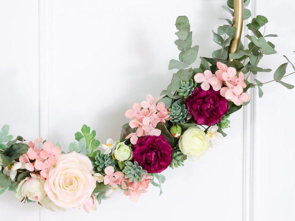 DIY: Wanddeko Blumenkranz aus Hula-Hoop Reifen blumenkranz hulahoopreifen hochzeitsdeko 6 1024x768