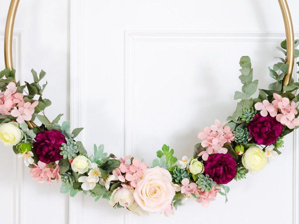 DIY: Wanddeko Blumenkranz aus Hula-Hoop Reifen blumenkranz hulahoopreifen hochzeitsdeko 8 1024x768