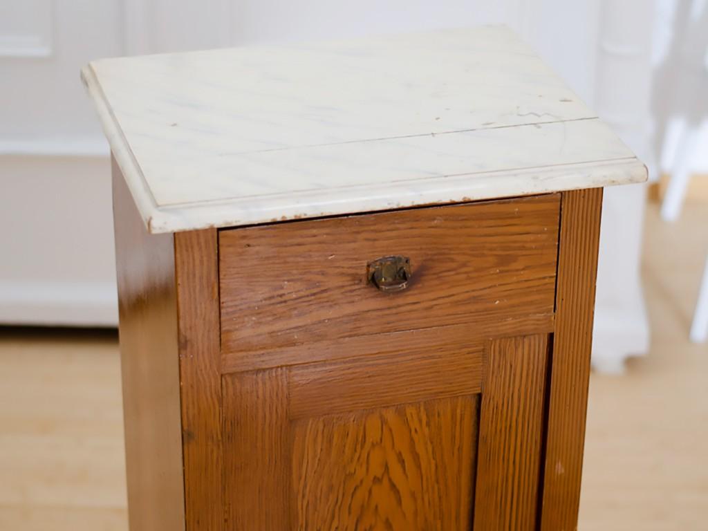 Möbel upcyceln: Schränkchen mit Kreidefarbe streichen, Holzplatte ölen schraenkchen streichen holzplatte len 3
