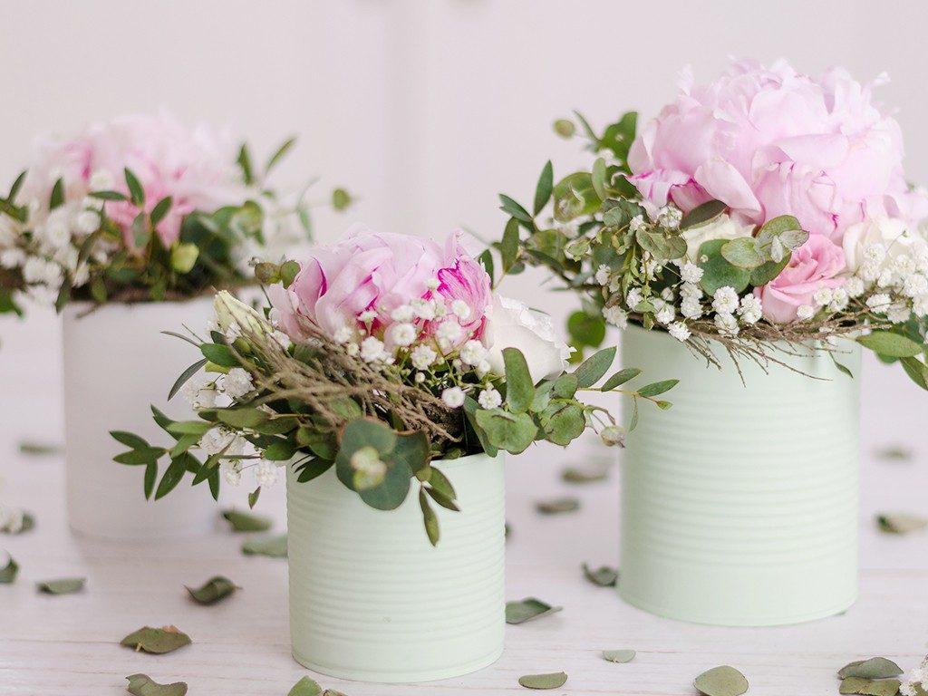 Tischdeko mit Pfingstrosen in Konservendose  DIY: Sommerlich romantische Dekoidee mit Pfingstrosen tischdeko pfingstrosen 10 1024x768