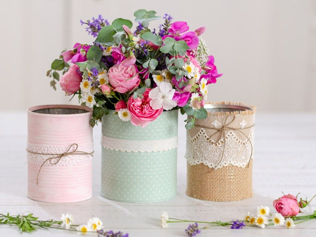 Blumenvase aus Dosen und Gläsern  DIY: 4 Blumenvasen-Ideen aus Dosen und Gläsern lonely bouquet day 1024x768