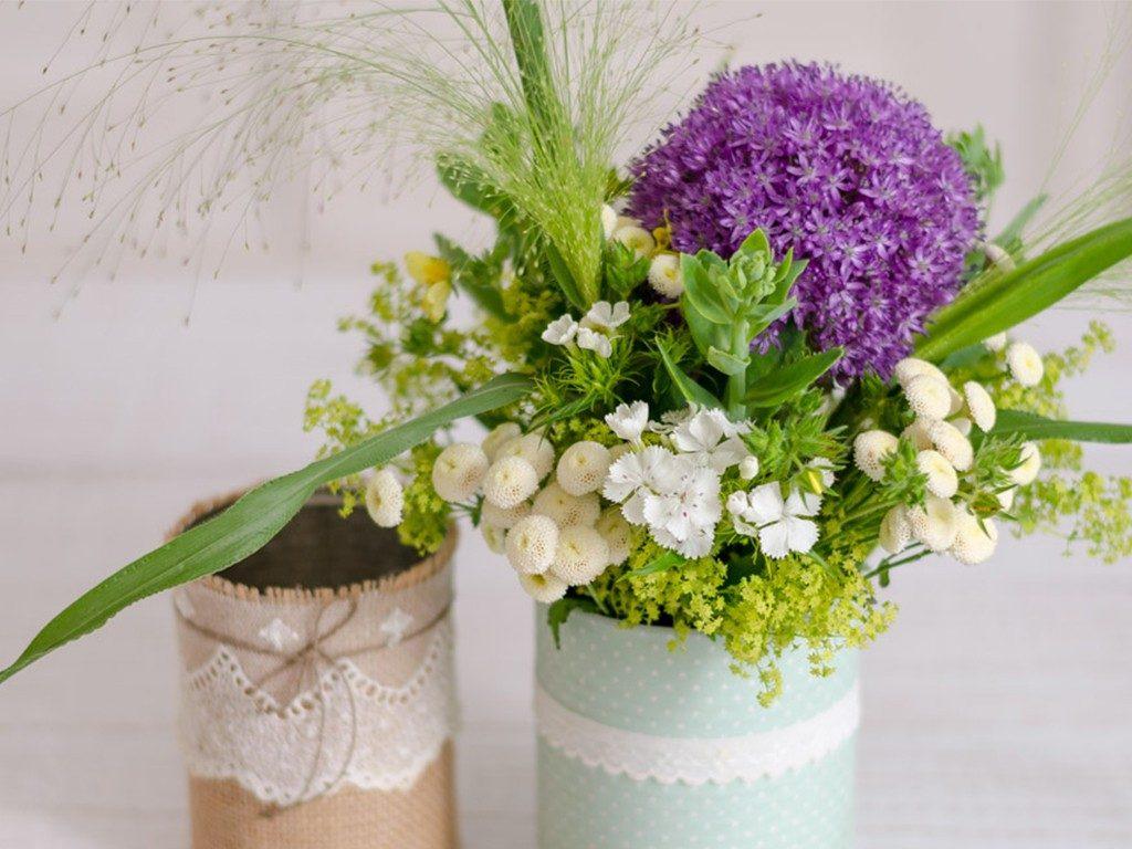 Blumenvase aus Dosen und Gläsern  DIY: 4 Blumenvasen-Ideen aus Dosen und Gläsern lonely bouquet day 6 1024x768