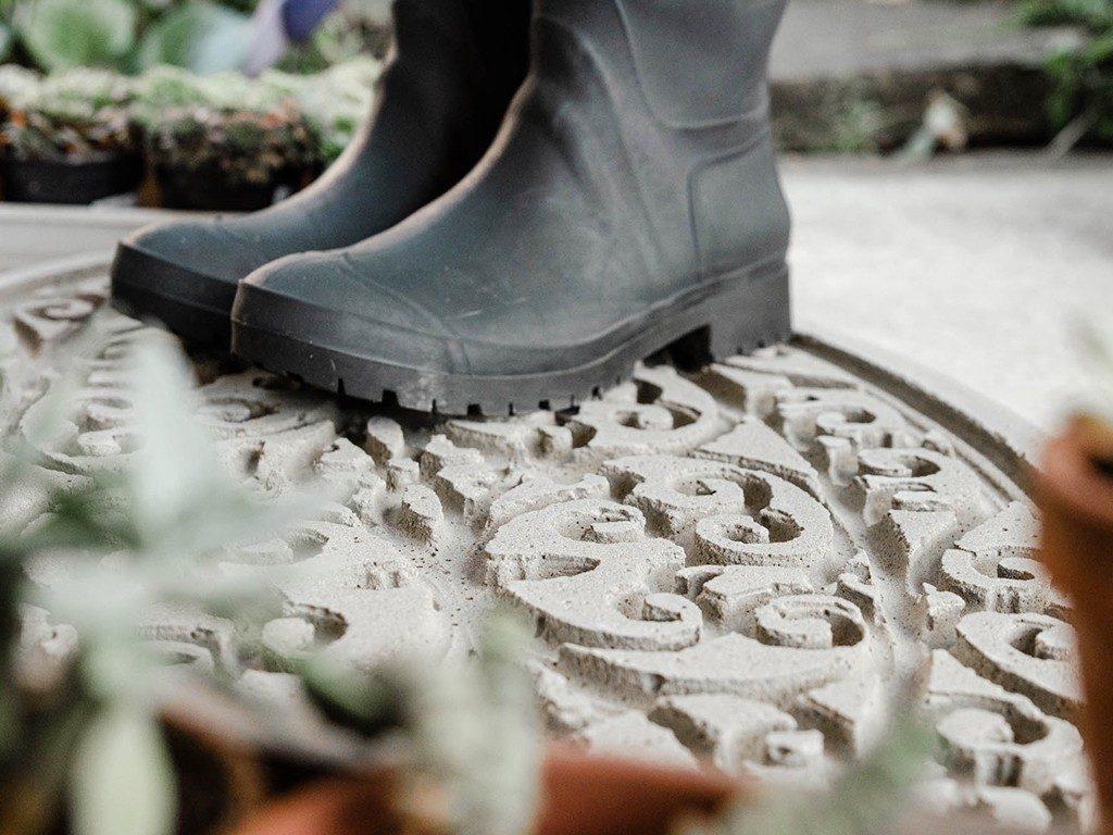 DIY-Trittplatte aus Beton gießen  DIY: Trittplatte aus Beton, für Hauseingang oder Gartenweg betontrittplatte aus gummifumatte 1024x768