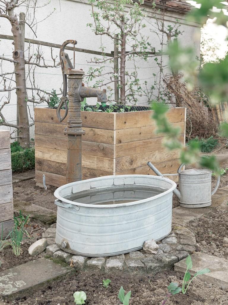 diy-hochbeet-bauen-befuellen-bepflanzen