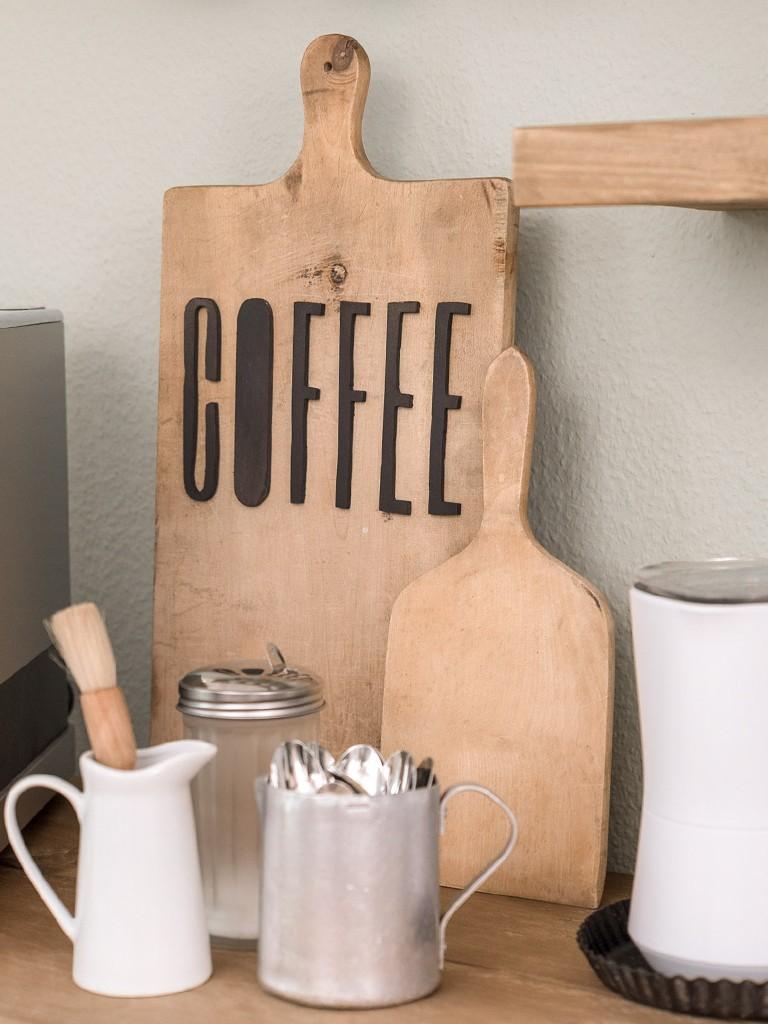 Makeover unserer Sitzecke in der Küche-Kaffeebar  Eine charmante Gestaltungsidee für unsere unpraktische Sitzecke in der Küche kaffee bar kche 15