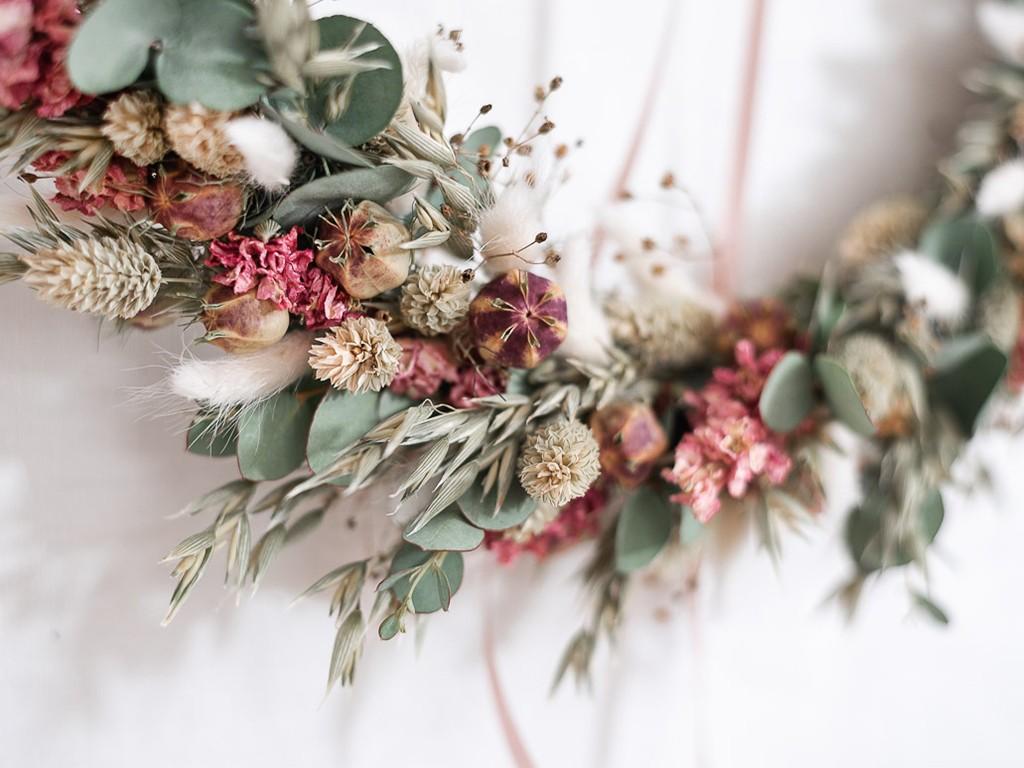 Loopkranz aus Trockenblumen Detailansicht