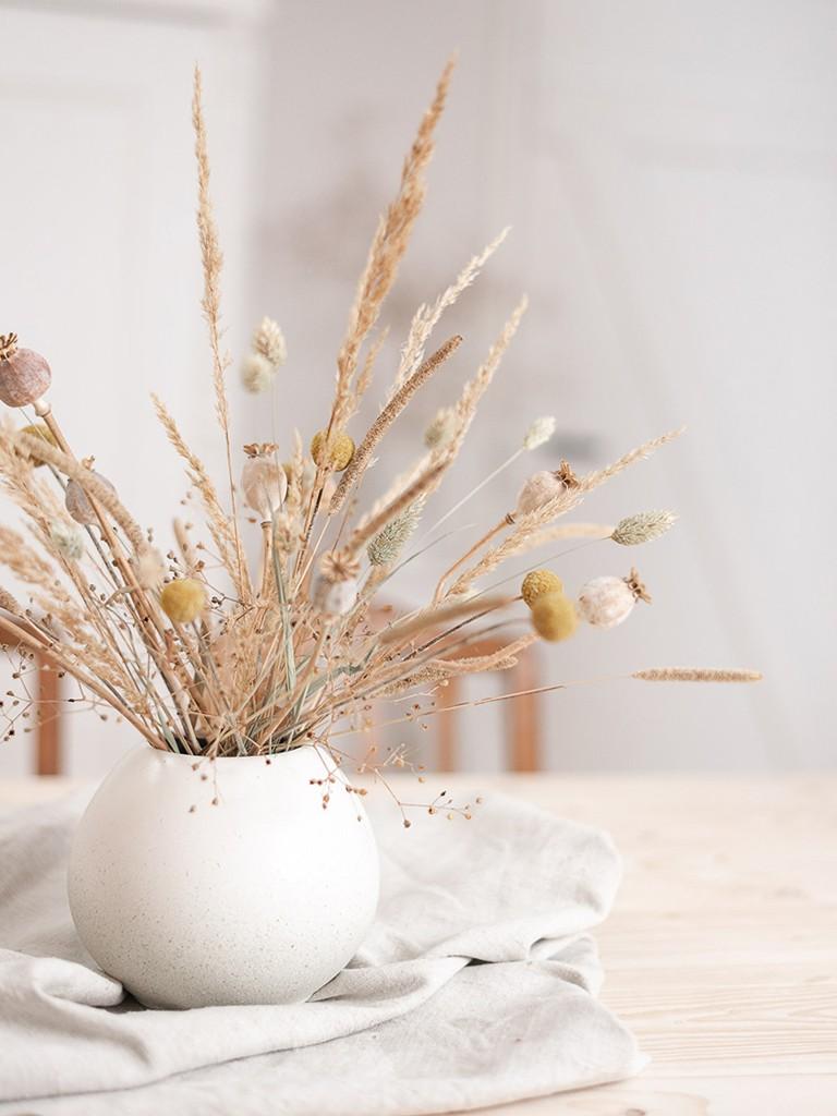 DIY Anleitung für Upcyclingidee. Aus einer alten Vase wird eine moderne Va